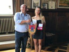 La miss Laura Schiavoni con il sindaco di Osimo Simone Pugnaloni