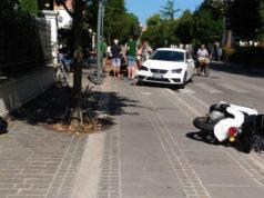 L'incidente a Senigallia tra un'auto e uno scooter