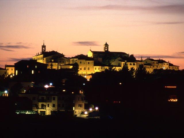 """""""Lacrima Wine Festival"""" dal 1 al 10 luglio, arte e gusto a Morro d'Alba nel segno della Doc"""