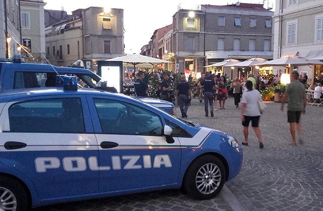 La polizia di Senigallia impegnata nei controlli