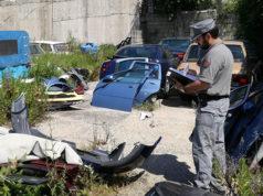 Il deposito di rottami e l'officina di un meccanico abusivo posti sotto sequestro ad Arcevia