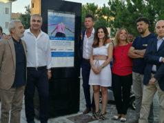 L'inaugurazione del totem informativo in piazza Saffi a Senigallia