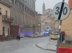 La parete crollata in via Roma (foto di Lorenzo Fiorentini presa dal gruppo Fb Jesi Ieri Oggi e Domani)