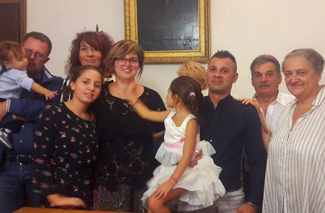 Antonio Centomani incontra il sindaco Mancinelli insieme alla sua famiglia (Foto: Comune di Ancona)