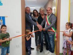 Il taglio del nastro dell'ampliamento della scuola di Campocavallo di Osimo