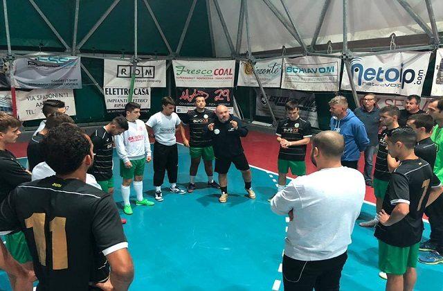 Francesco Battistini parla alla squadra
