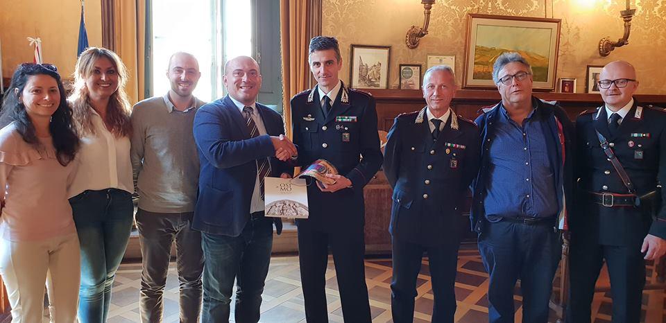 Osimo, il colonnello Carrozza in visita al Comune