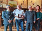 Da sinistra: il tenente Massimo Romiti, il sindaco Simone Pugnaloni, il tenente Mario Russo e l'assessore alla Sicurezza Federica Gatto