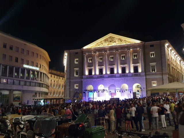 Notte bianca ad Ancona: Subsonica al Porto Antico, dj set in piazza del Papa, musei aperti
