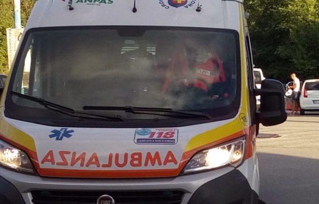 Cade dalla mountain bike, ciclista riporta una lesione seria al testicolo