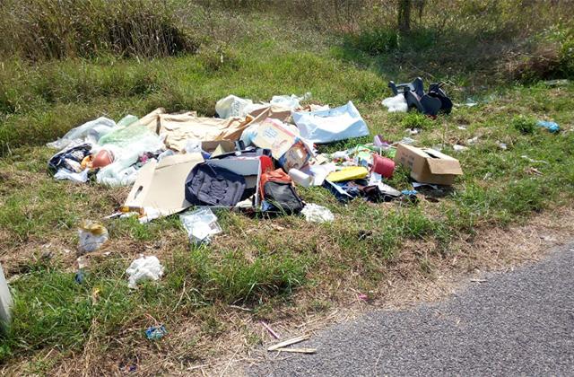 Abbandono dei rifiuti lungo le strade di Montemarciano