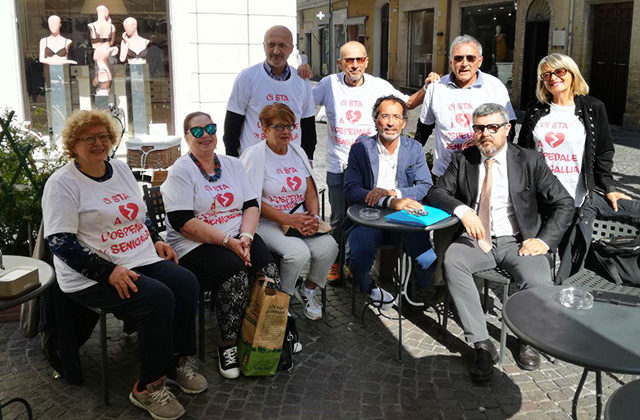 I componenti del Comitato cittadino a difesa dell'ospedale di Senigallia intervenuti sulla questione della risonanza magnetica