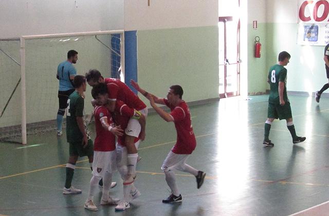 L'esultanza per il goal del Corinaldo calcio a 5 in coppa della divisione