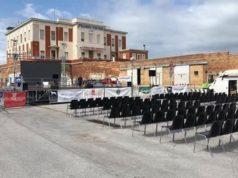 Il palco vuoto per il rinvio della Festa del Mare al porto antico
