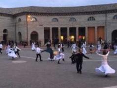 Il folklore invade il Foro Annonario di Senigallia