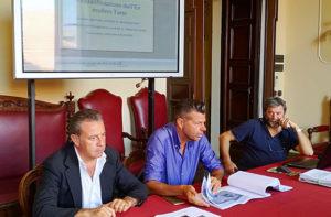 Da sinistra: Memè, Mangialardi e Ciacci durante la presentazione del progetto di riqualificazione dell'ex mulino Tarsi e dell'ex pesa pubblica a Senigallia