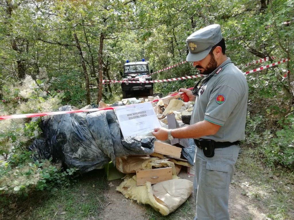 Il sequestro del materiale rinvenuto a Sassoferrato