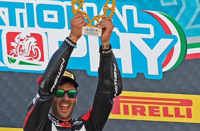 Il Mugello porta bene a Simone Saltarelli nel campionato National Trophy 1000
