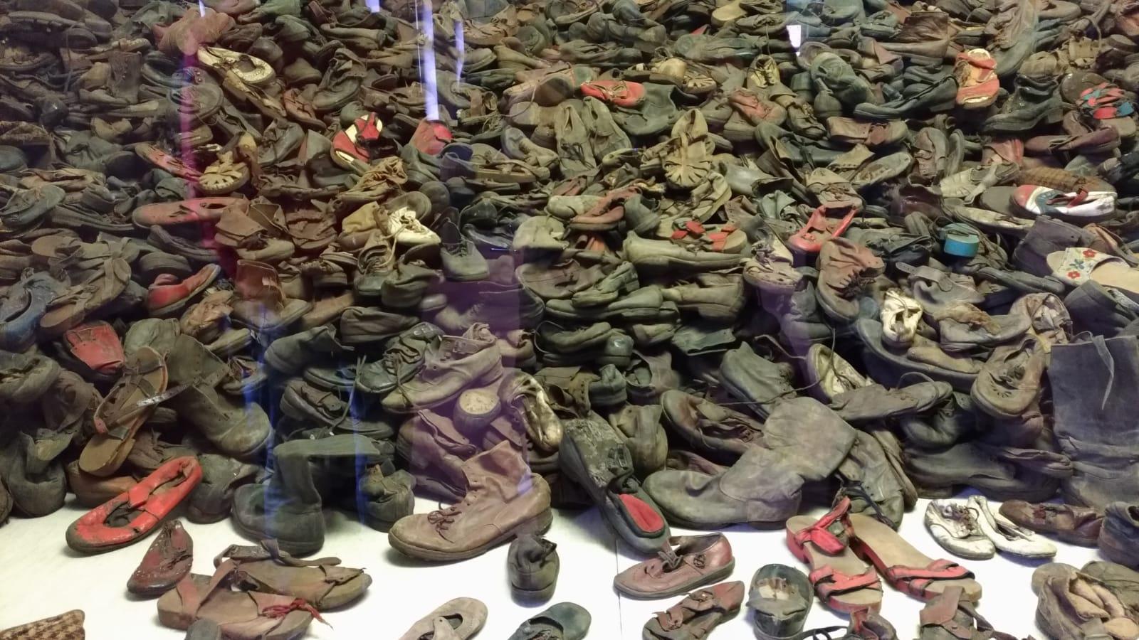 Le scarpe requisite alle persone di religione ebraica deportate nel campo di concentramento