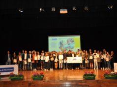 I giovani premiati dalla Bcc sul palco del teatro di Osimo