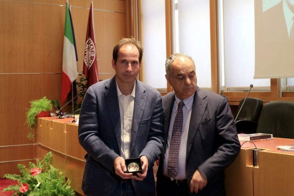 Nicolò Bongiorno con il rettore Francesco Adornato