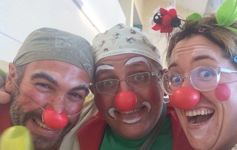 """Clown dottori in piazza a Jesi per """"La giornata di Bambetta"""""""