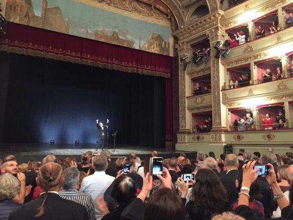 Standing ovation per Roberto Benigni e l'Inferno di Dante (FOTO)