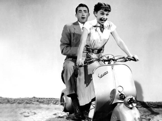 """La Vespa nel film """"Vacanze Romane"""" con Audrey Hepburn e Gregory Peck"""