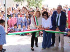 """Il taglio del nastro della primaria """"Sassaroli"""" a Filottrano"""