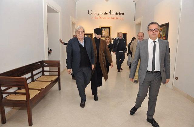 Osimo, chiusura in musica per la mostra di Sgarbi su De Chirico