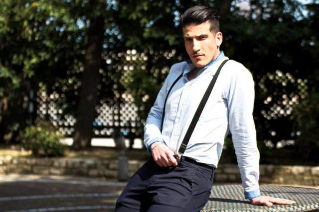 Un outfit classico indossato da Antonio Murro