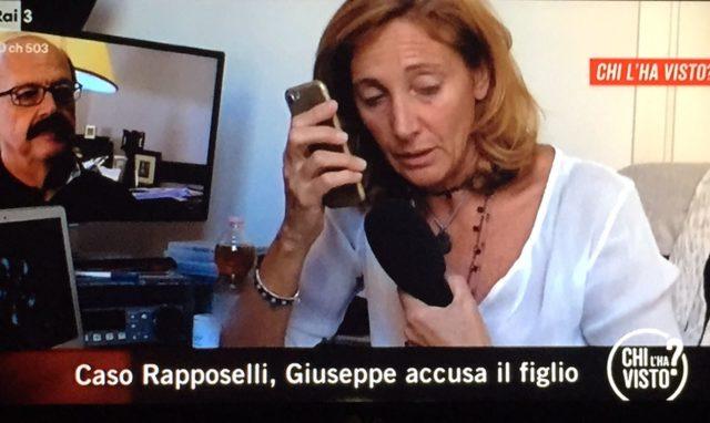 Omicidio Rapposelli, padre accusa il figlio: «Afferrata per un braccio e soffocata»