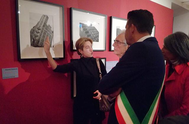 La curatrice Anna Zaytseva illustra le fotografie di Rodchenko a Branzi e Mangialardi