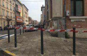 La Scuola De Amicis di Ancona transennata