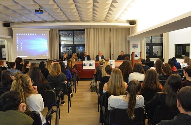 Sperimentato a Senigallia il nuovo format contro il cyberbullismo