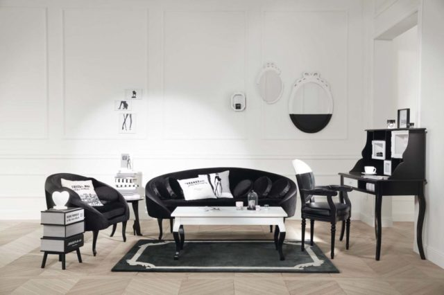 Gli arredi firmati Chantal Thomass nel suo iconico Black & White