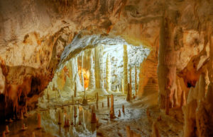 Il fascino delle Grotte di Frasassi