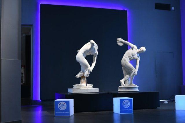 L'Arte italiana si illumina di azzurro per la nobile causa