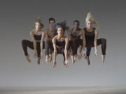 La David Parsons Dance Company nella foto di Lois Greenfield