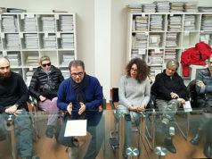 Corrado Canafoglia (al centro) e alcuni rappresentanti del coordinamento dei comitati degli alluvionati di Senigallia