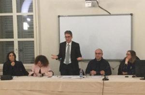 """L'incontro a Ostra Vetere per il """"no"""" all'unione dei Comuni"""