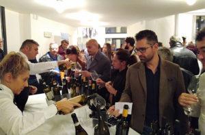 La degustazione di vini alla Rotonda a mare di Senigallia