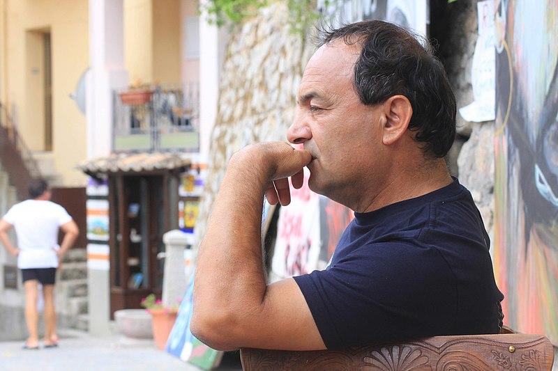 Modello Riace, condannato Mimmo Lucano. La reazione: «In che Paese viviamo?»