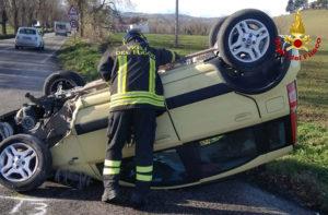 Una delle due macchine incidentate sulla provinciale Arceviese tra Serra de' Conti e Barbara