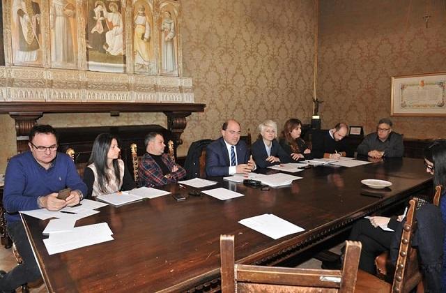 La conf. stampa di presentazione del bilancio di stamattina, 27 dicembre, con il sindaco Simone Pugnaloni e la giunta