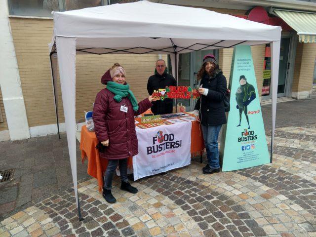 Foodbusters: raccolta dei panettoni solidali per le mense sociali ad Ancona e a Falconara