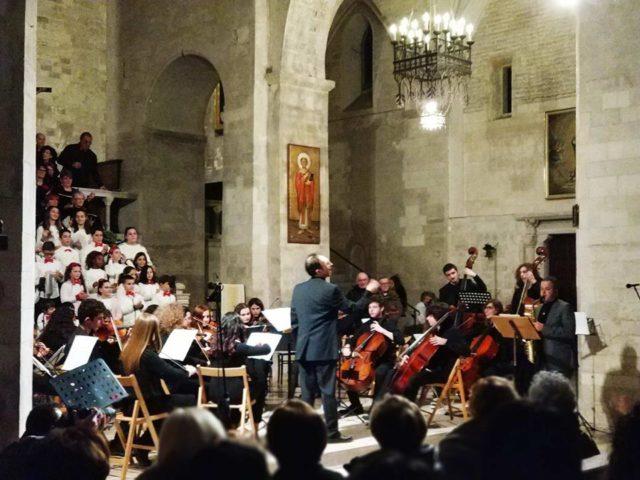 Osimo, successo per il Gran Concerto di Natale. Tra i musicisti anche l'assessore Pellegrini