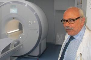 Il dottor Giovanni Consalvo e la nuova risonanza magnetica dell'ospedale di Senigallia