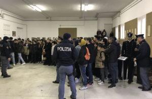 La visita degli studenti agli Stabilimenti della Polizia di Senigallia