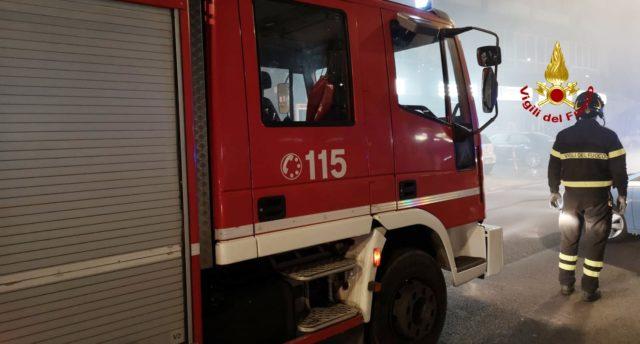 Fano, incendio nella zona industriale: ad innescarlo l'avaria di un macchinario